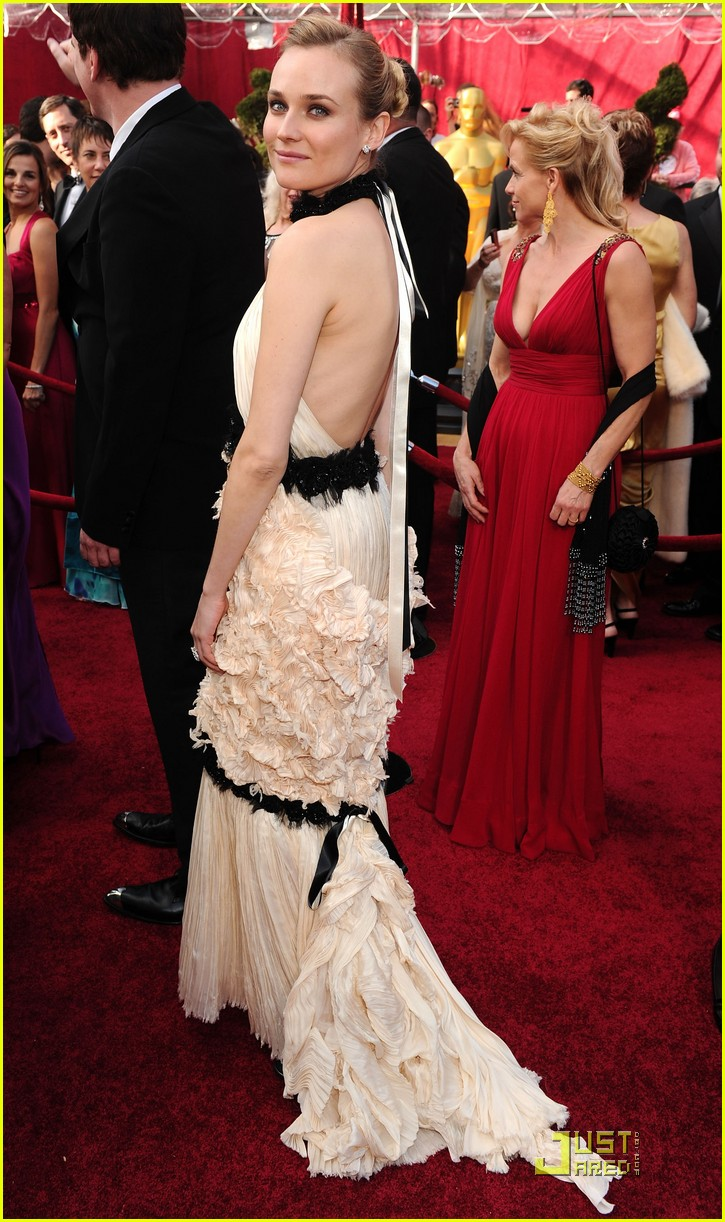 diane kruger 2010 oscars red carpet 03