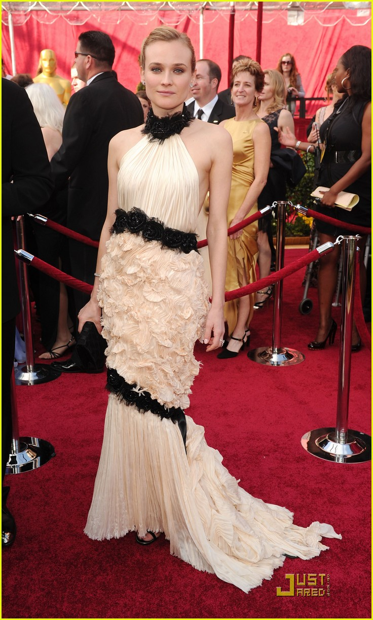 diane kruger 2010 oscars red carpet 11