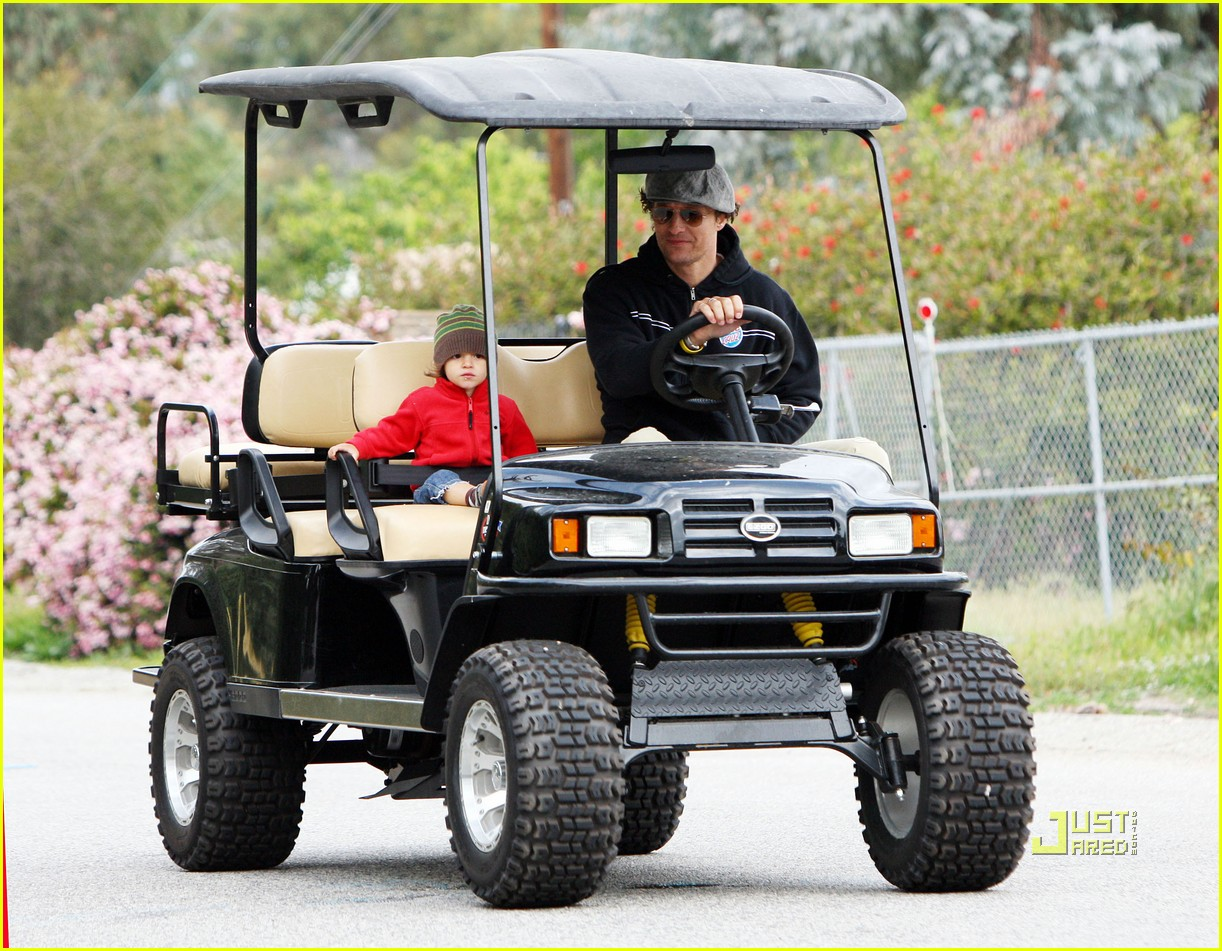 levi matthew mcconaughey golf cart 09