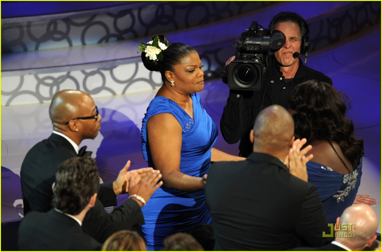 mo nique wins supporting 2010 oscars 10