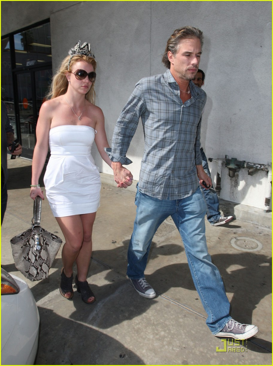 britney spears trawick hand in hand 082435590