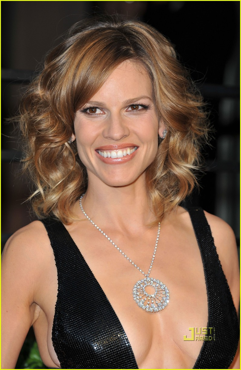 Hilary Swank Shows Som...