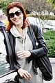 kate walsh hugs it out 04