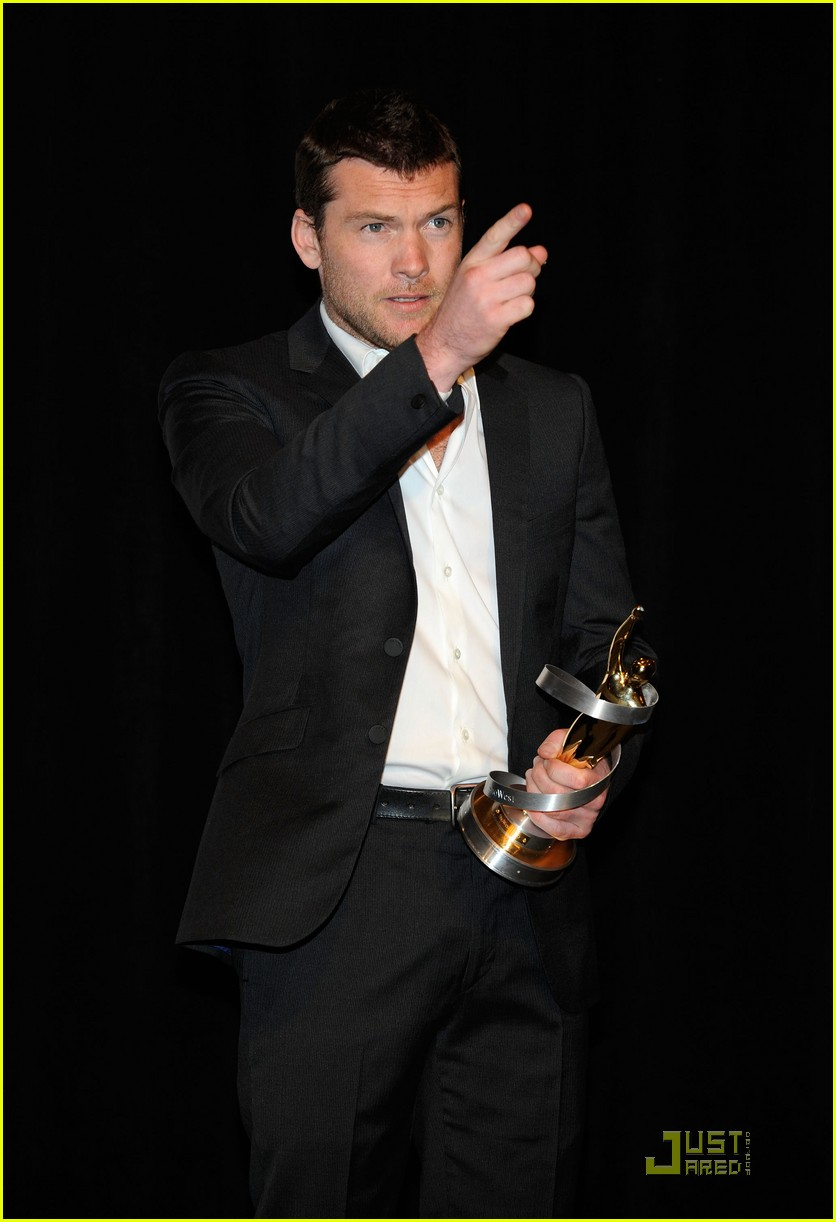 sam worthington showest male star 08