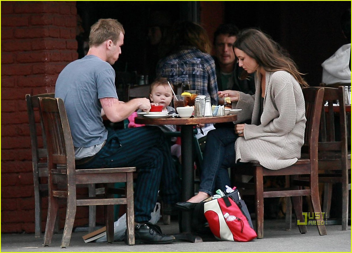 cam gigandet dominique geisendorff everleigh kings road cafe 04