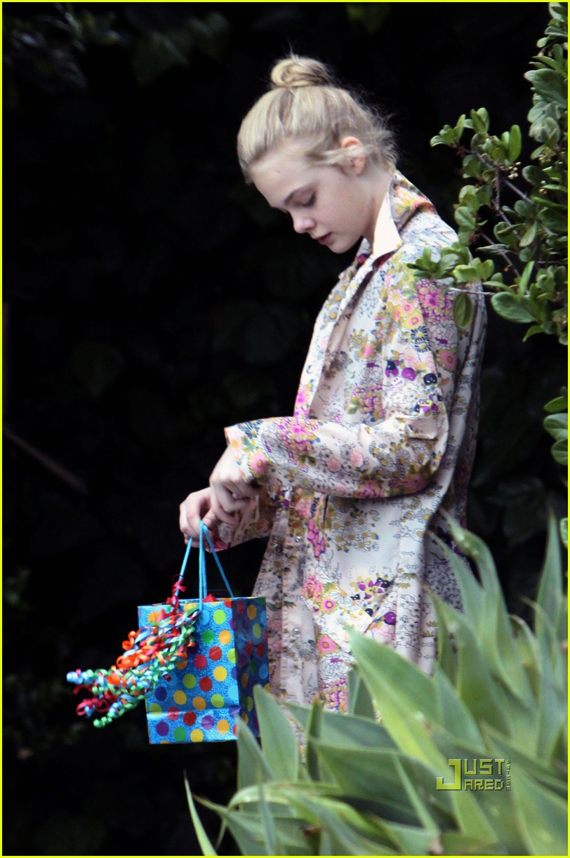 elle fanning ballet class belated birthday 02