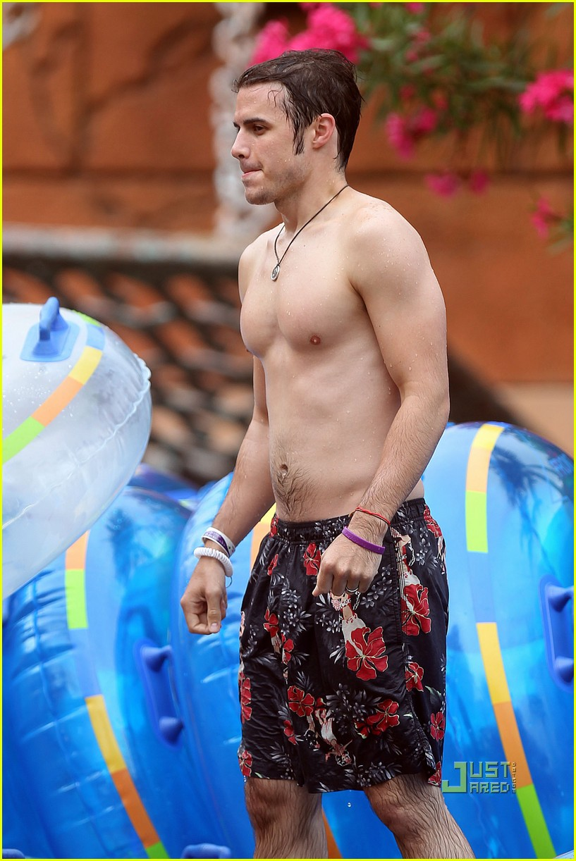 kris allen shirtless 07