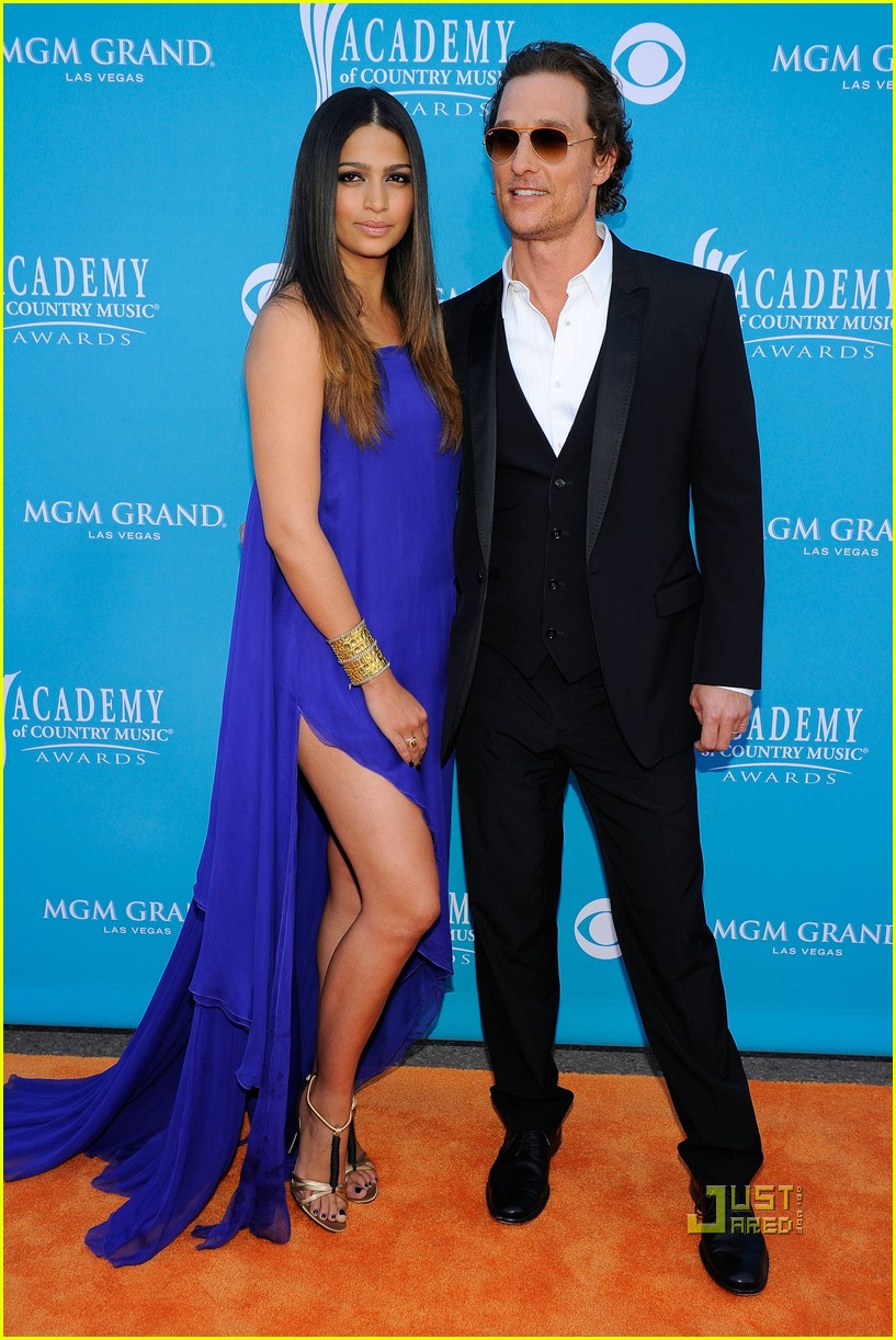 matthew mcconaughey acm awards camila alves 012443707