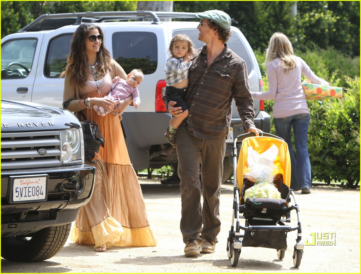 matthew mcconaughey family weekend fun 14