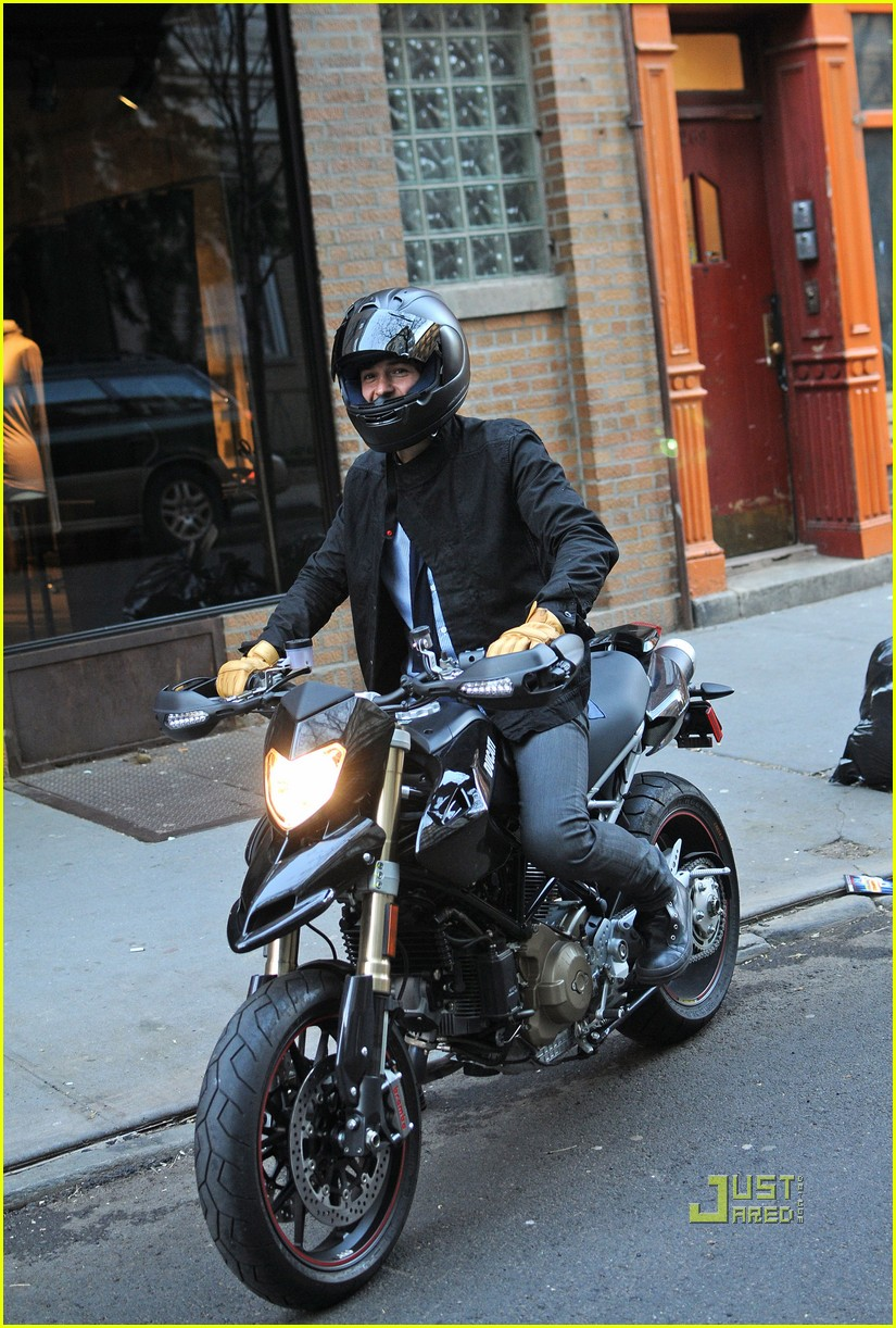 orlando bloom miranda kerr motorcycle 08