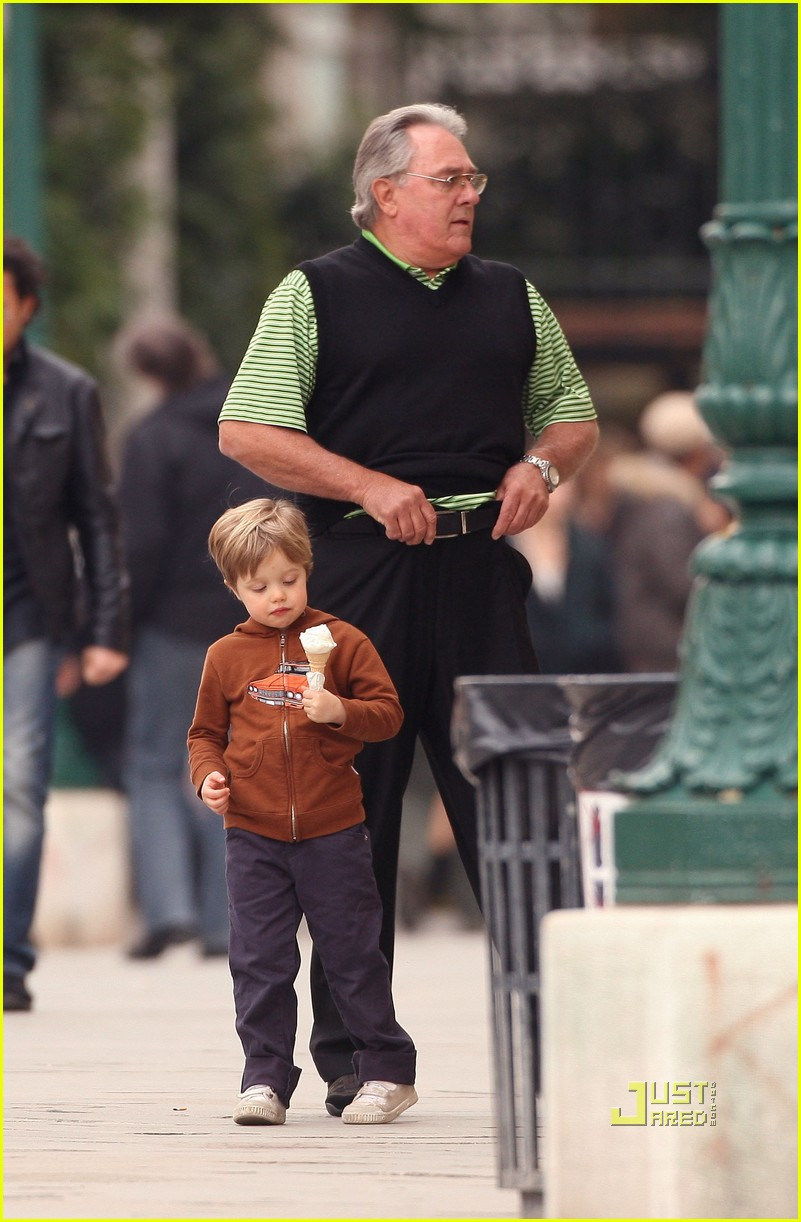 pax shiloh jolie pitt ice cream 03