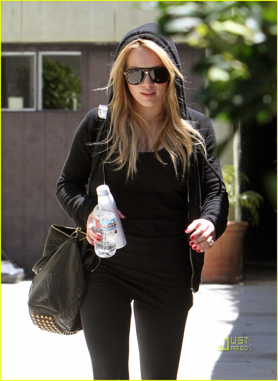 hilary duff mike comrie pasternak 03