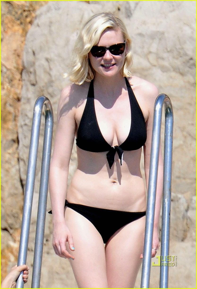 kirsten dunst bikini 02