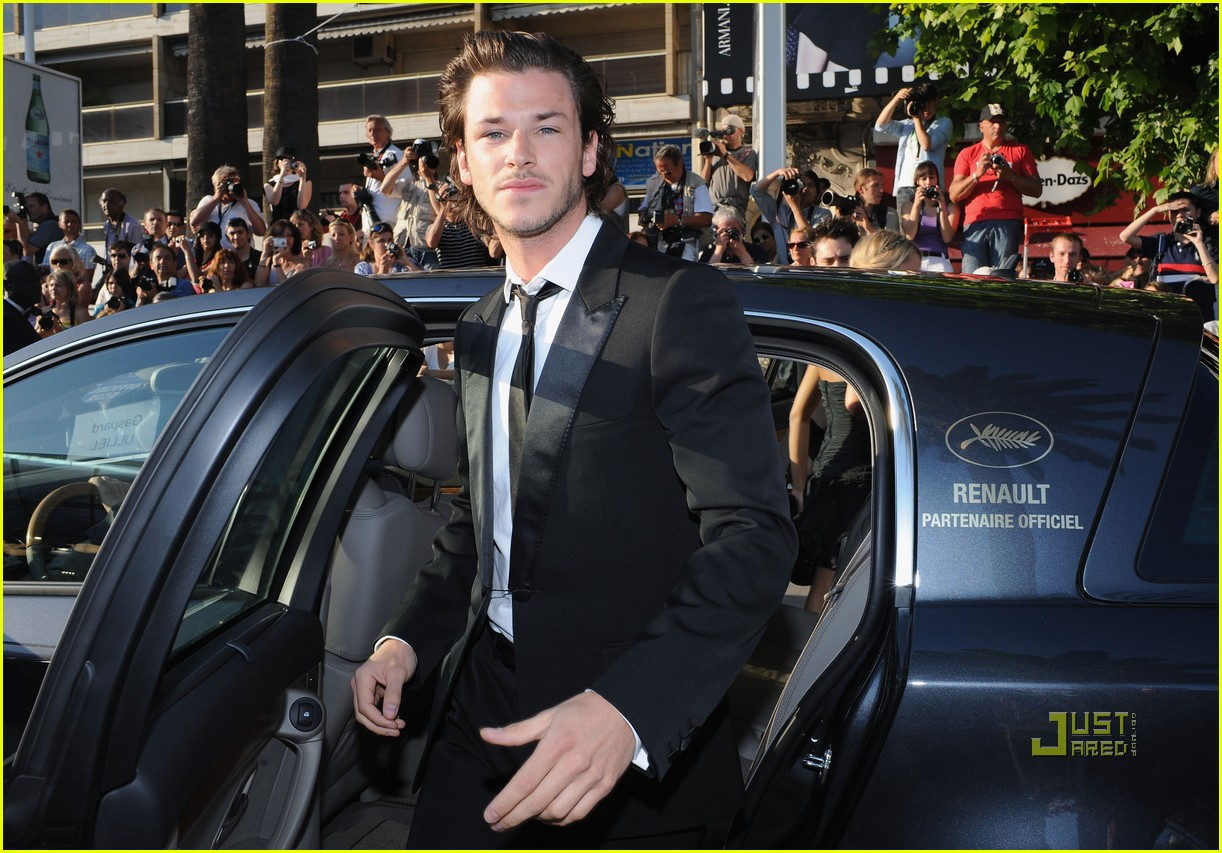 photo of Gaspard Ulliel  - car
