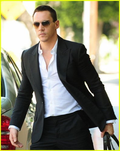 jonathan rhys meyers hybrid 10