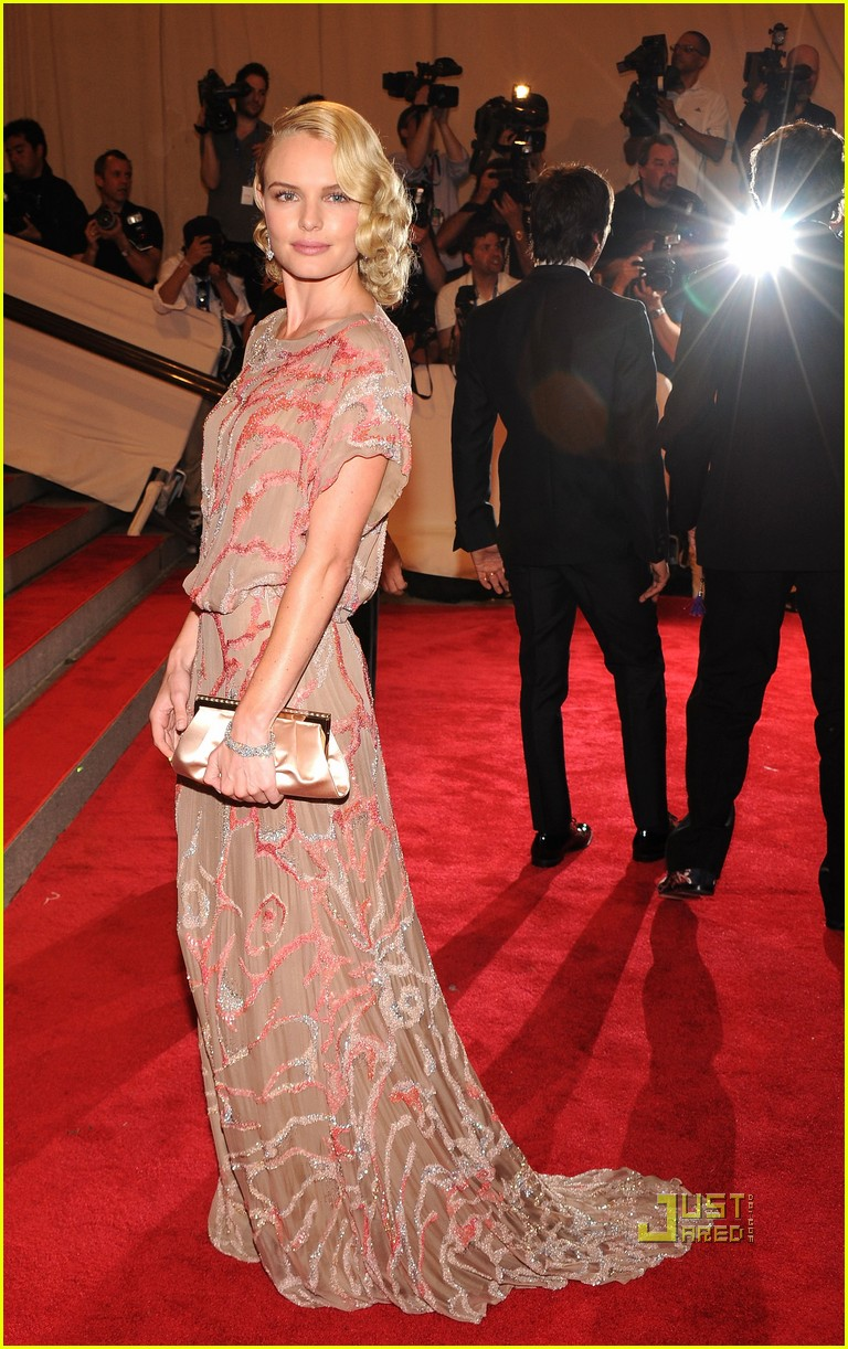 kate bosworth met ball 2010 03
