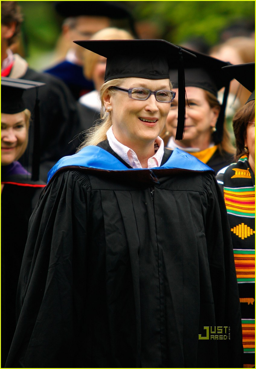 lisa kudrow vassar college commencement meryl streep 14