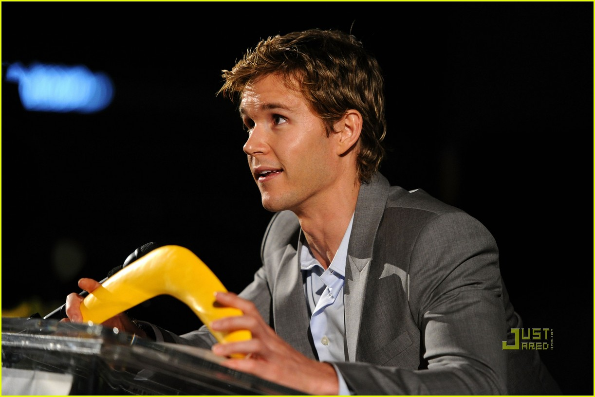 ryan kwanten chris hemsworth australians in film breakthrough awards 082450528