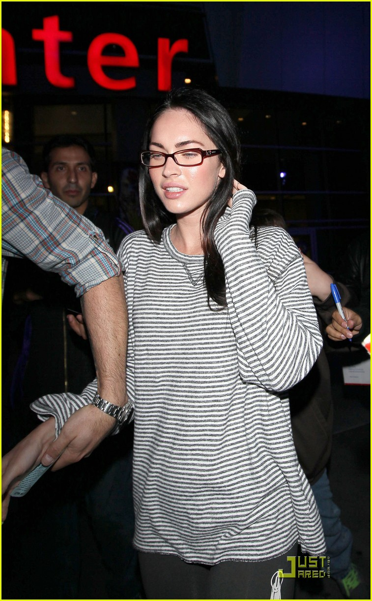 megan fox loves the lakers 01