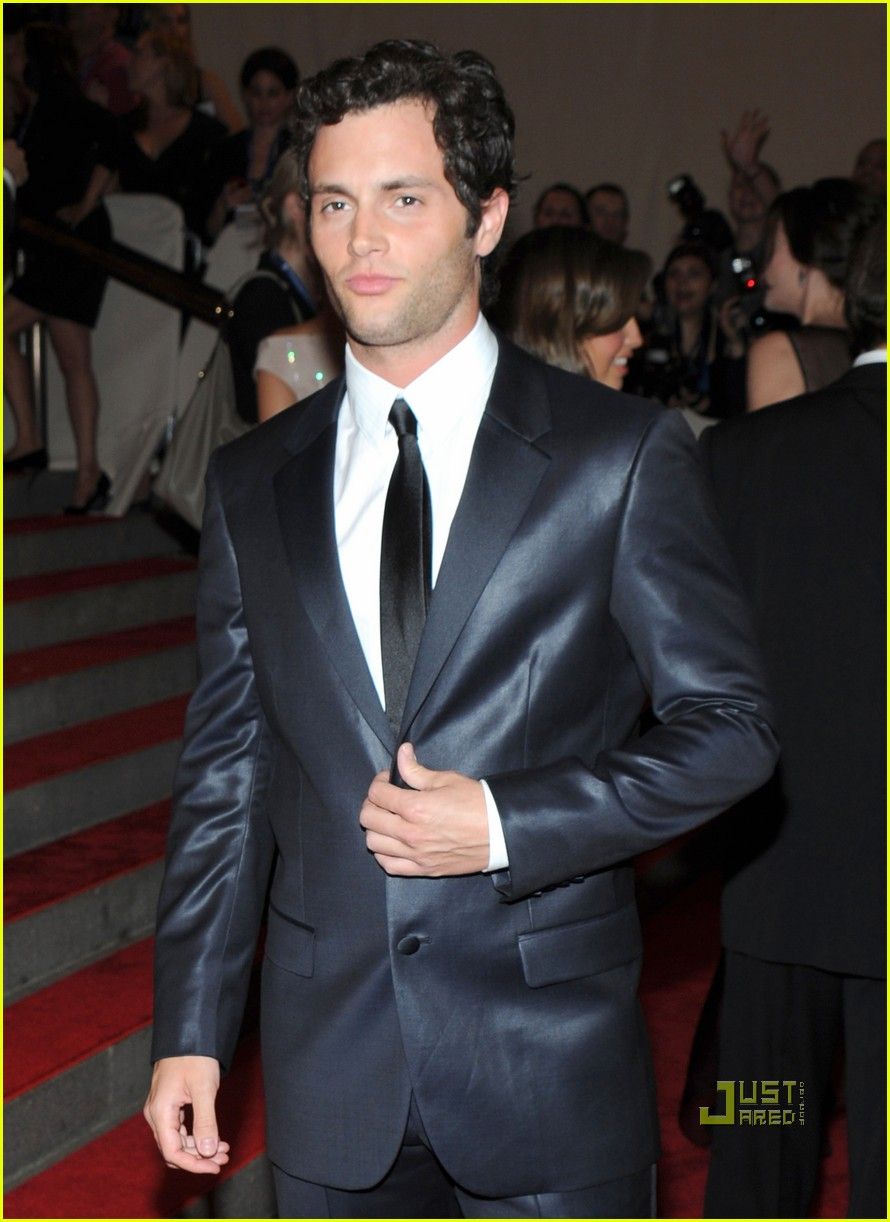 penn badgley met ball 2010 07