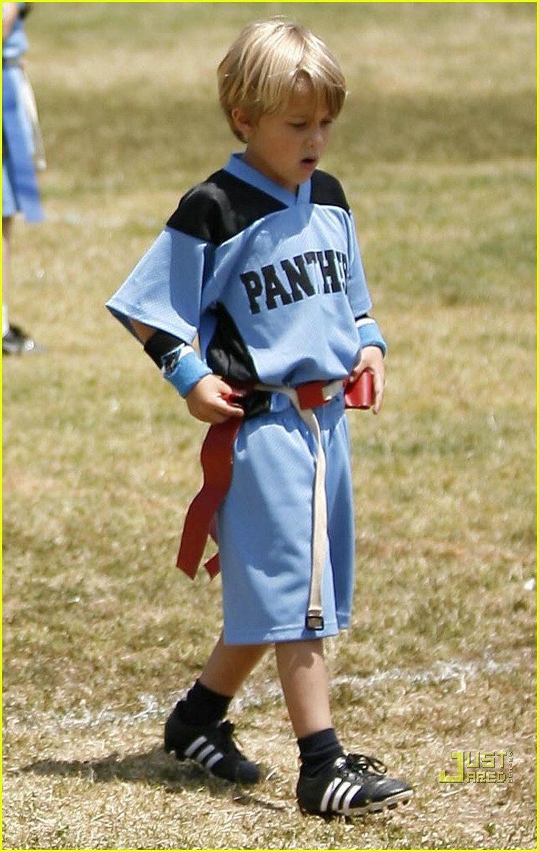 ryan phillippe deacon flag football 02