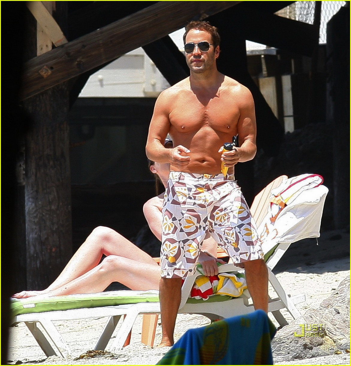 jeremy piven shirtless 012455250