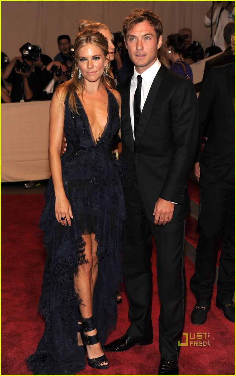 sienna miller met ball jude law 02
