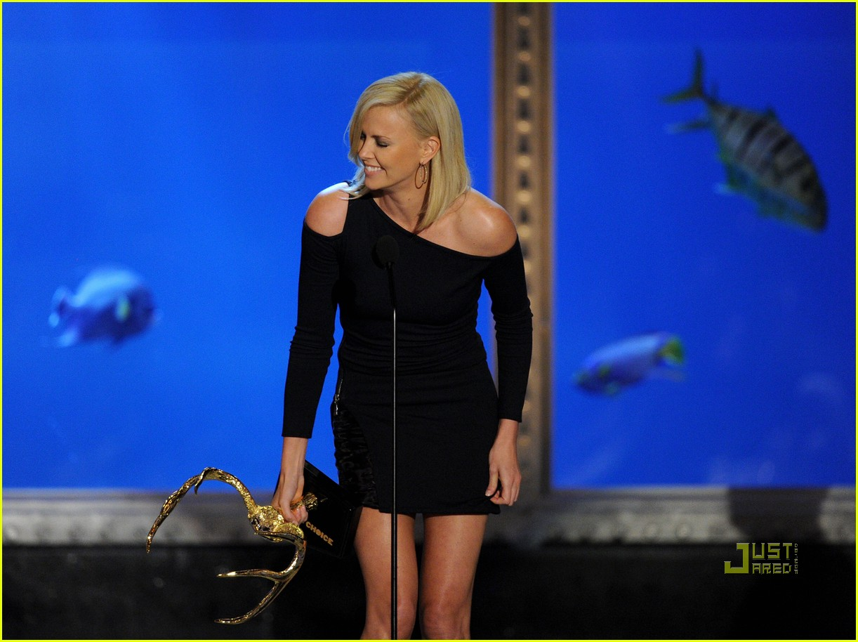 Charlize Theron Wins Decade of Hotness Award! Charlize Theron