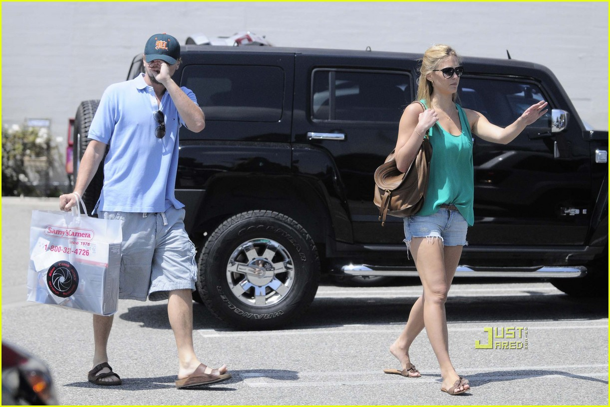 Leo DiCaprio & Bar Refaeli: Samy's Camera Couple: Photo 2455434 ...