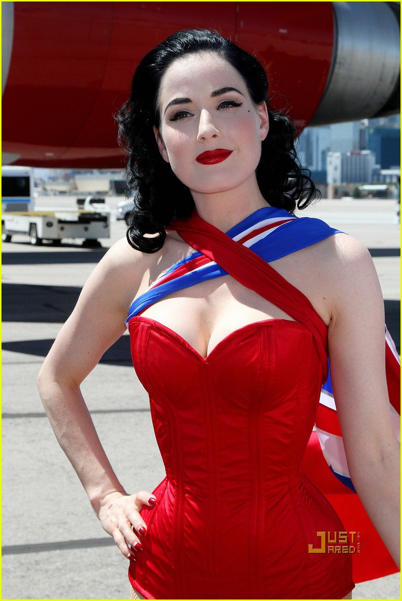 dita von teese virgin atlantic london to vegas 06