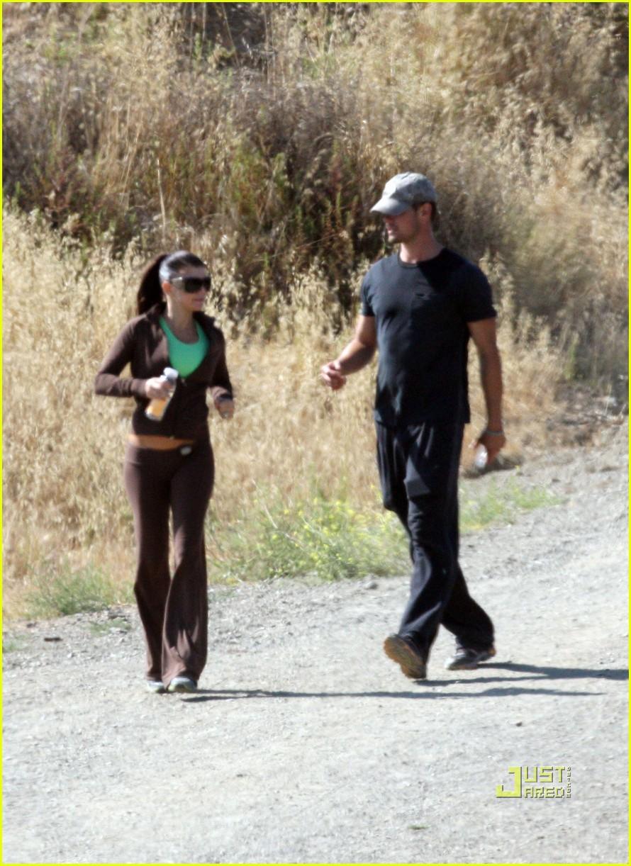 fergie josh duhamel jogging brentwood 14