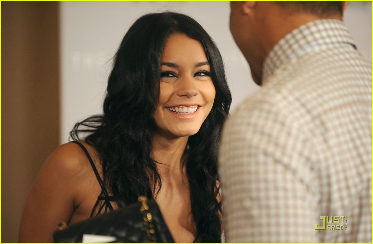 vanessa hudgens crystal lucy lovely 06