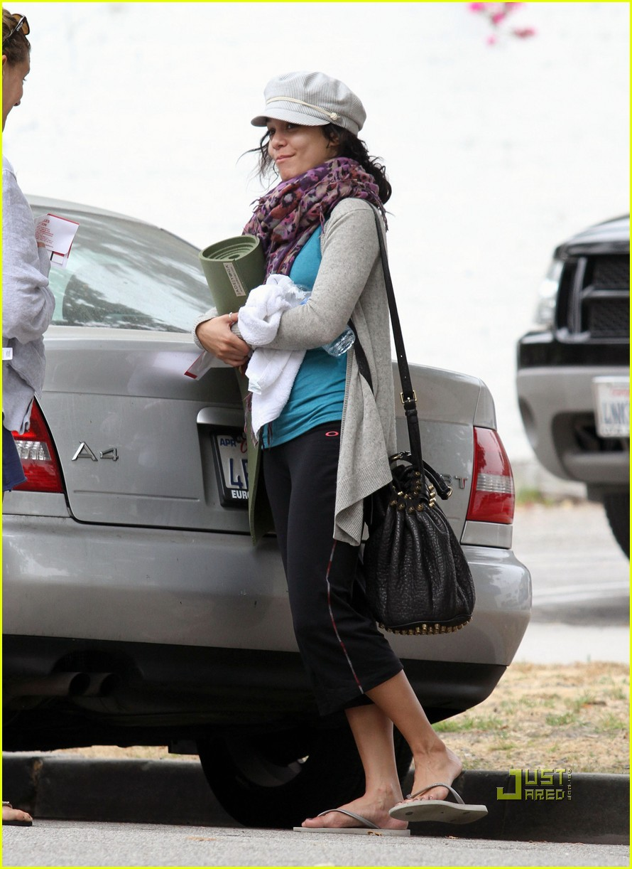 vanessa hudgens yoga ticket 10