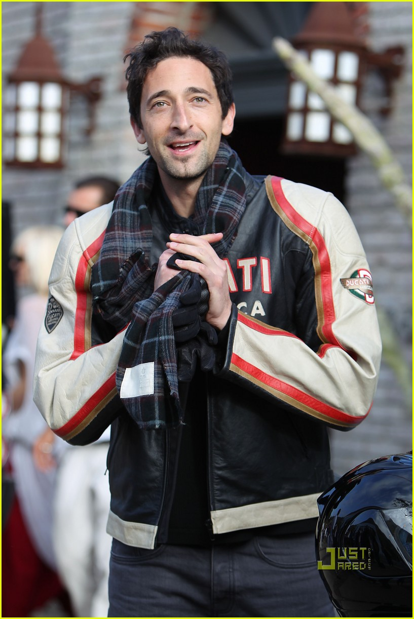 january jones adrien brody 10