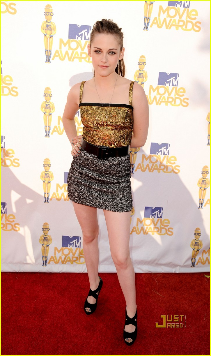Kristen Stewart Mtv Movie Awards 2010 Red Carpet Photo