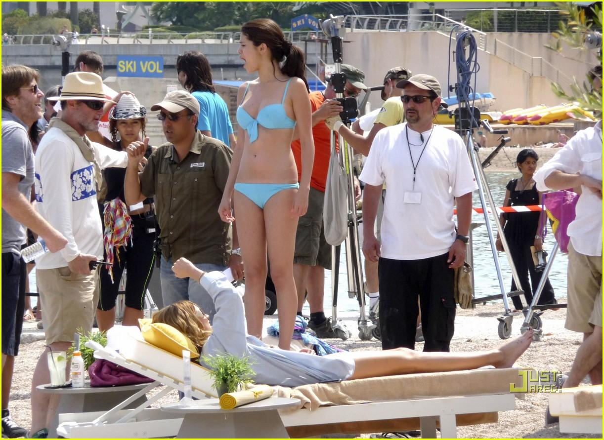 leighton meester bikini selena gomez 08