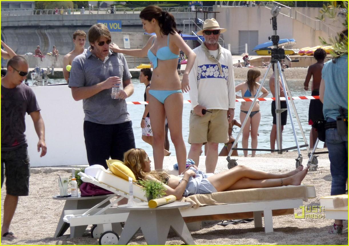 leighton meester bikini selena gomez 11