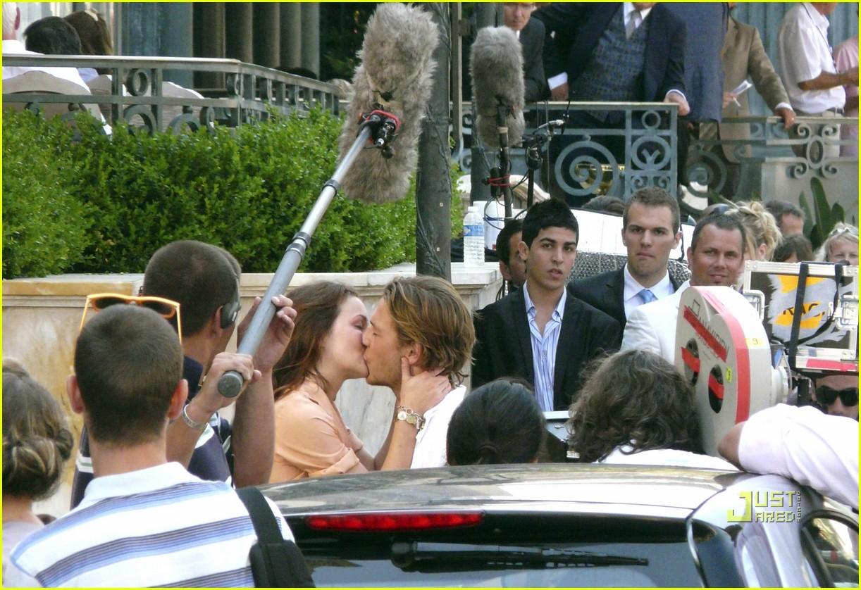leighton meester luke bracey kiss 112462564