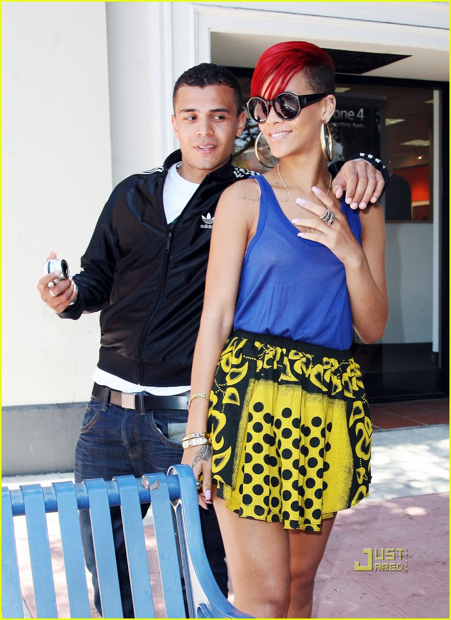 rihanna iphone matt kemp 13