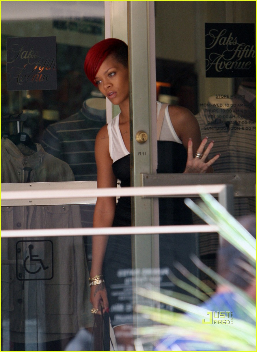 rihanna saks fifth avenue 17