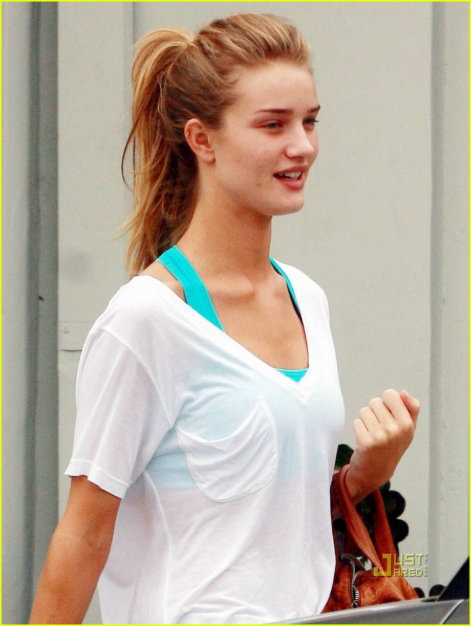 rosie huntington whiteley working out 01