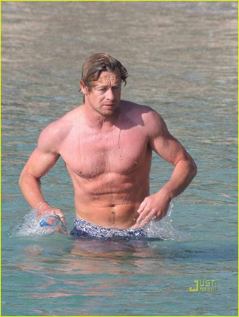 shirtless simon baker 23