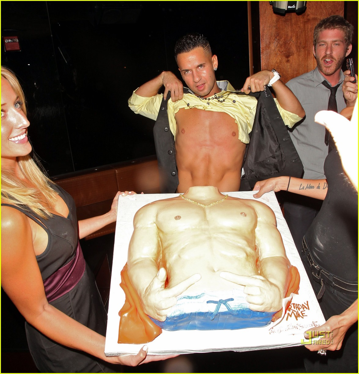 the situation abs cake 01