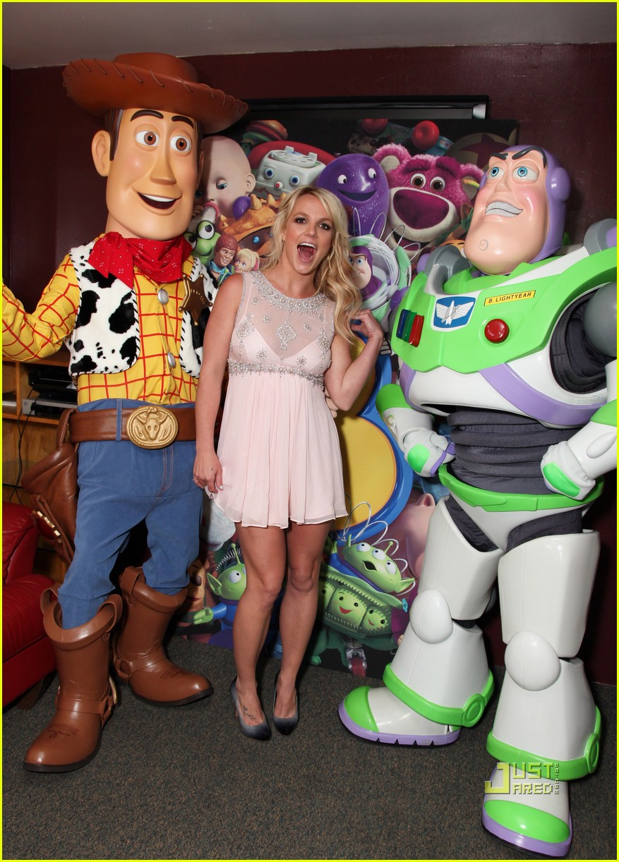 britney spears toy story 3 premiere05