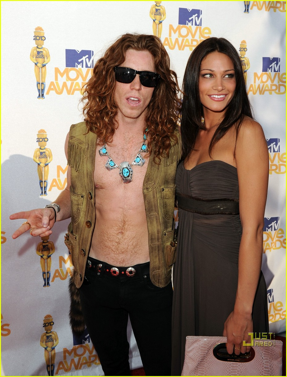 shaun white johnny weir mtv movie awards 2010 04