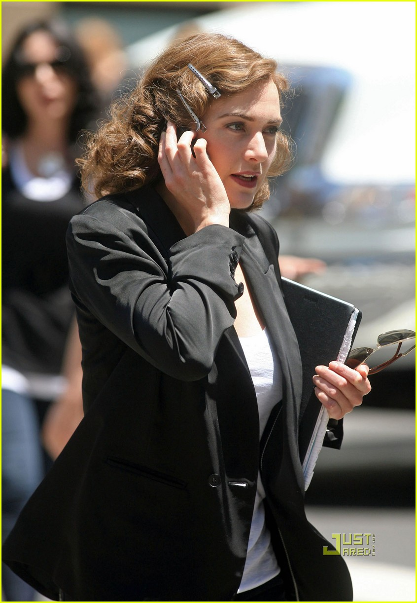 kate winslet evan rachel wood mildred pierce set 05