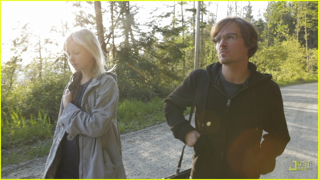 kevin zegers adelaide clemens vampire 042456209