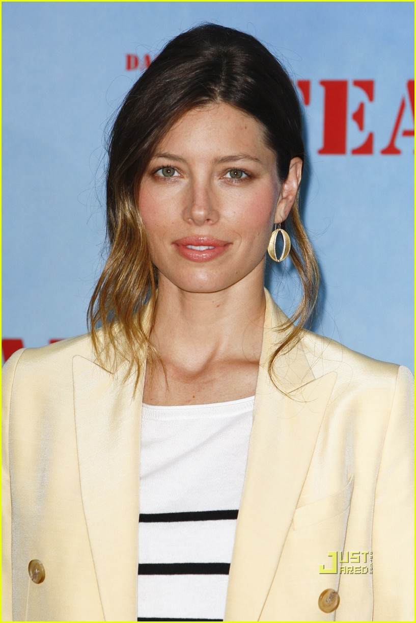 jessica biel mellow yellow suit 11