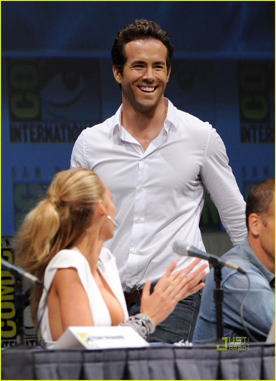 blake lively comic con ryan reynolds 052468630