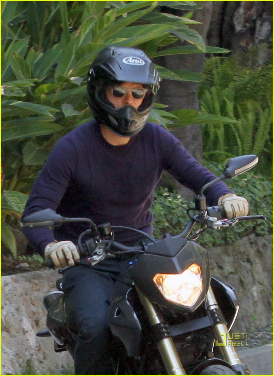 orlando bloom motorcycle in n out 13